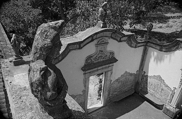 Luís Carvalho Barreira  Serra da Ossa, 1990  série: paisagens habitadas  Fotografia  Gelatin Silver print  arquivo: 1990_FOLIO_105_9267