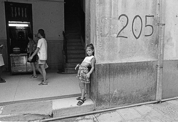 Luís Carvalho Barreira  Cuba, 97  série: Havana, 97  Fotografia  Gelatin Silver print  arquivo: 1997_FOLIO_316_7417
