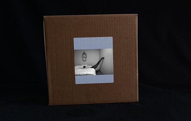 © Luís Carvalho Barreira  Upside Down, 2019  package Book  30 Photos (21X24 cm)  Fine Art Paper  arquivo: 2019_10 20 NK2_5702_art  câmara: Nikon D800