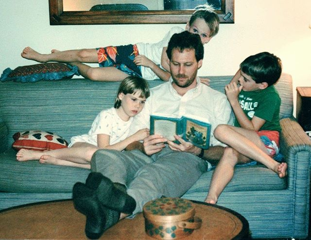 John Nee reads The Adventures of Tom Sawyer to his kids Aaron, Hannah and Adam. The story obviously stuck with the Nee boys. #bandofrobbers #tomsawyer @adamnee @aarondnee #tbt #throwback #read #readtoyourkids