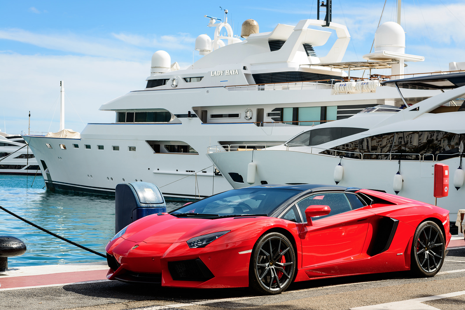 luxury-car-puerto banus.png