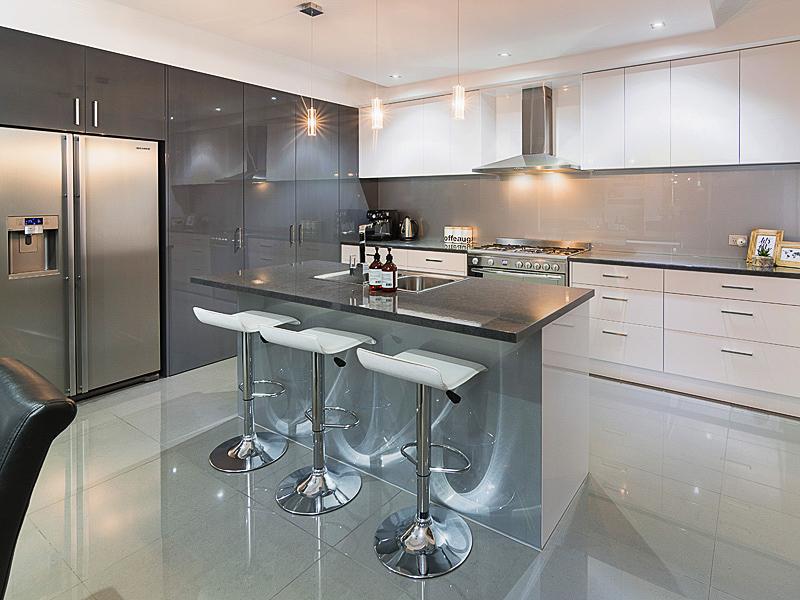 397091-004_Kitchen.jpg