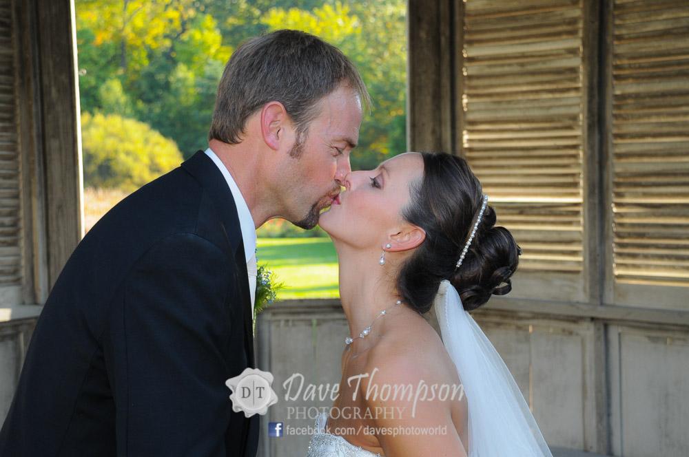 Photojournalistic Candid Wedding Photography
