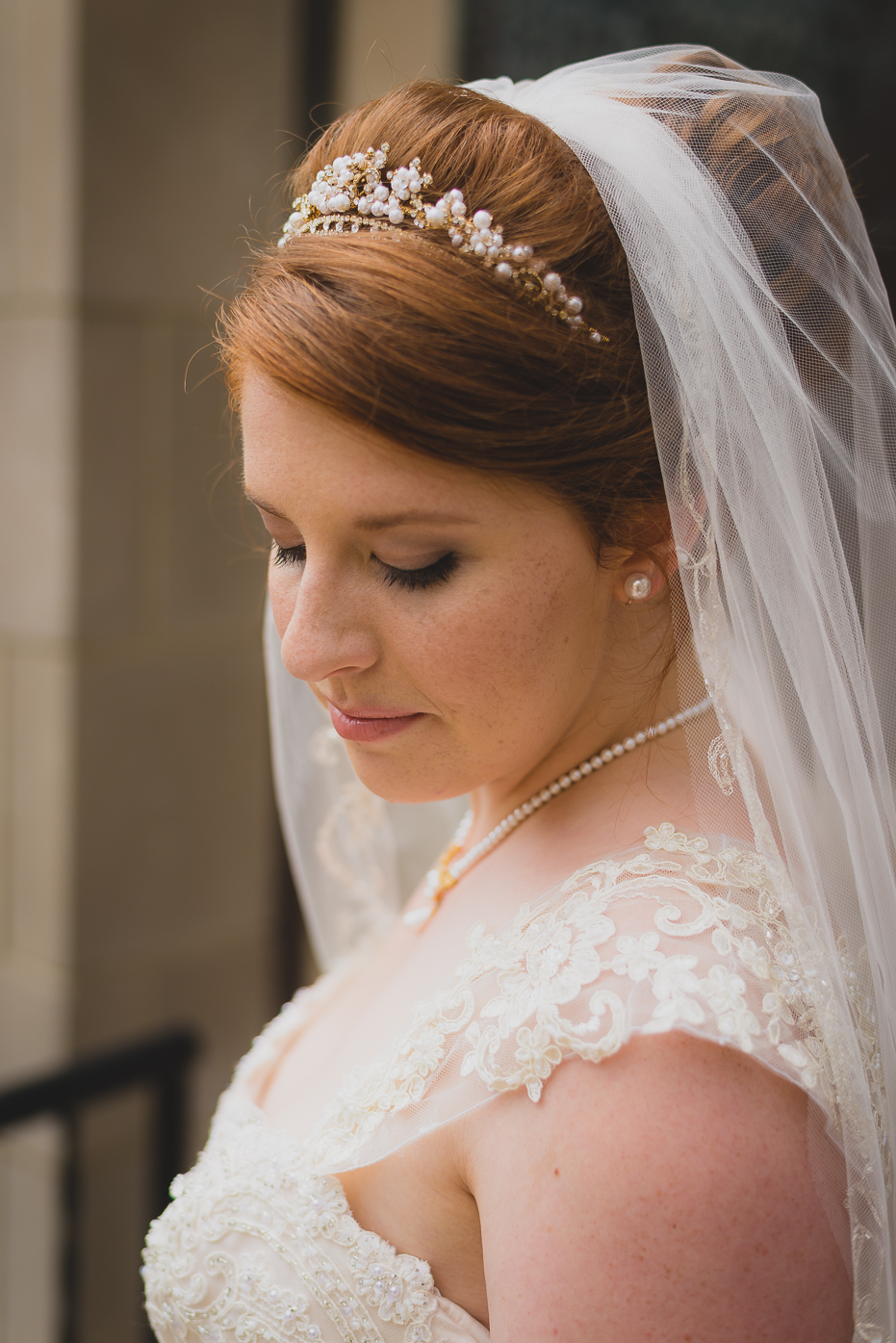 Bride with vail and pearl headband