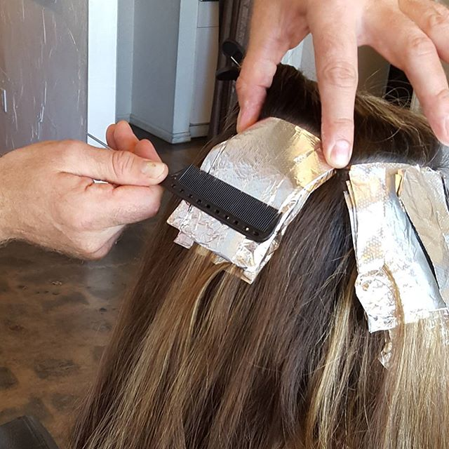 When I do foil work I am a fan of a neat foil.  Makes for the perfect highlight.  Colorist Todd Sterling Brown @toddsterlingbrn #foils #hair #haircolor #beauty #haircolor #style #salon #losangeles #studiocity #like4like #follow4follow