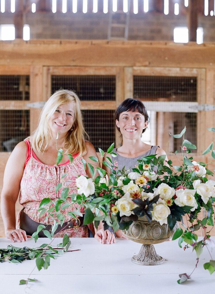 Holly Chapple and Ariel Dearie at the first Hope Flower Farm workshop in August of 2015. Photo by  Jodi Miller Photography.