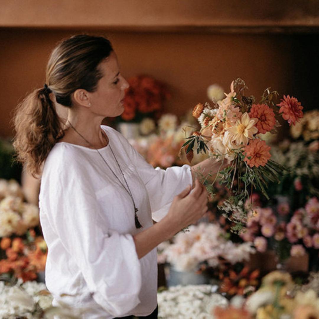 Gabriela - La Musa de las Flores -