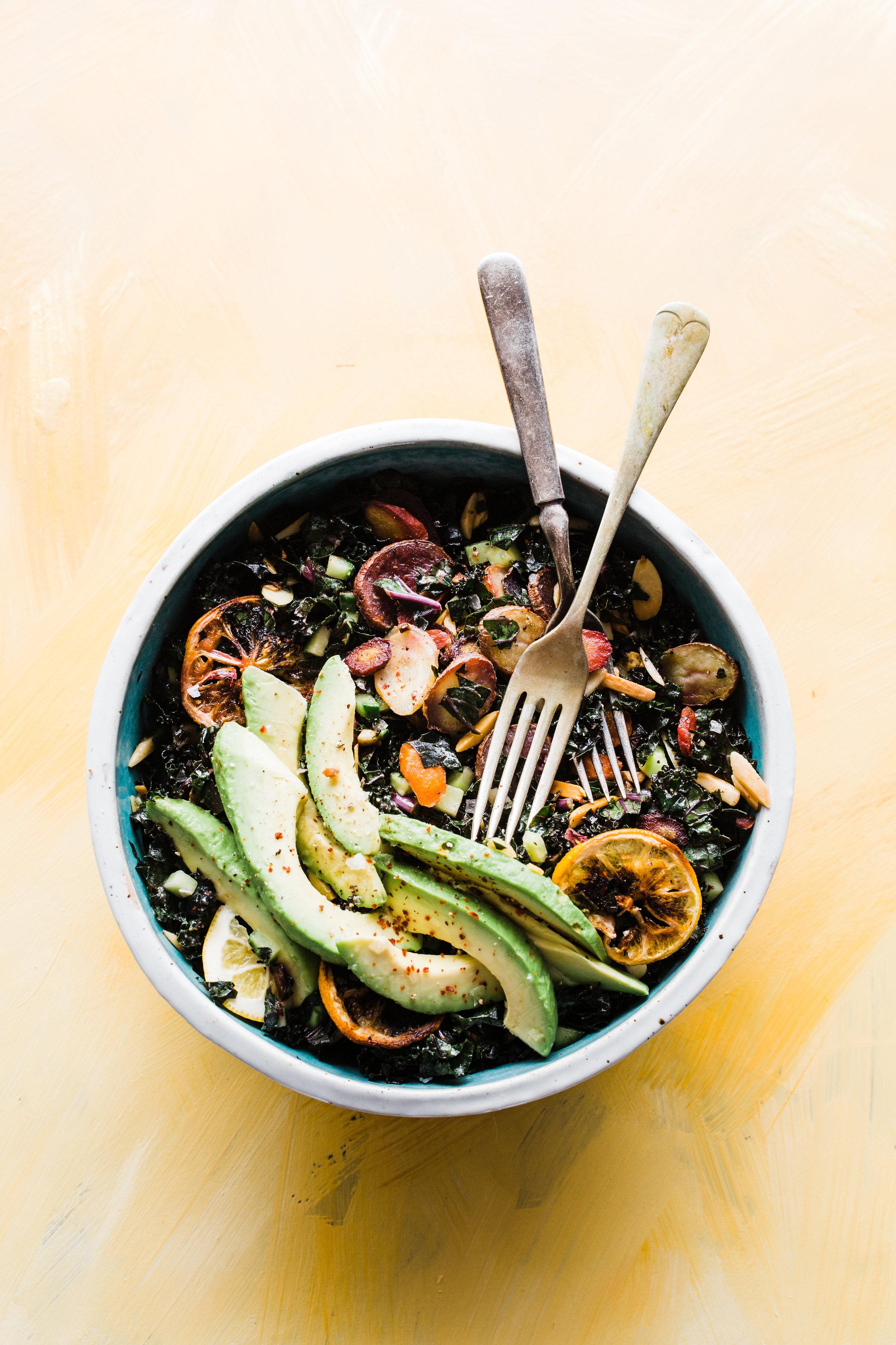 Kale & Carrots Detox Bowl (Vegan, Low-Carb)