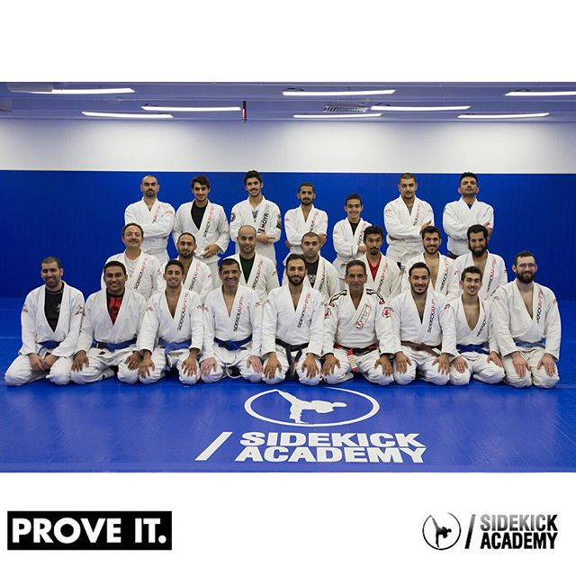 Amazing class with professor Caique last night. More of the same on Tuesday.  2:00-10:00 pm for more information.  #sidekickacademy #bringit #kuwait #martialarts #jiujitsu #bjj #taekwondo #tkd #mma #health #fitness #sport #training #instaq8 #zerocompetition #proveit