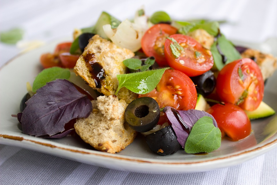 Italienischer Salat Lunch Catering