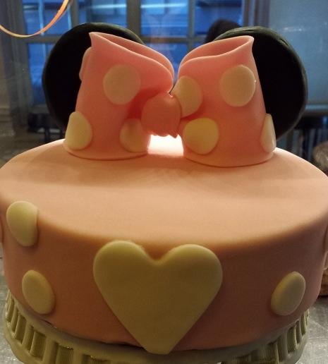 Minnie Mouse cake 2.jpg