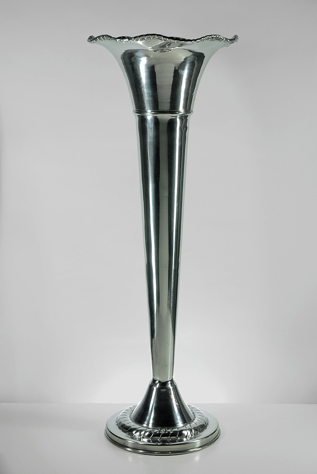 silver-plated-fluted-vase-4.jpg