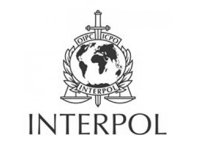 Interpol must-valge logo.png