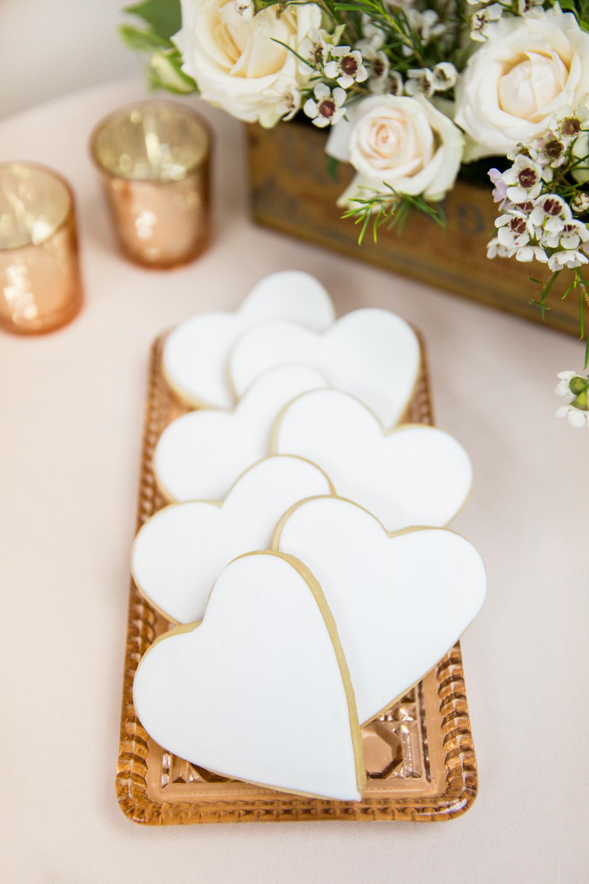 Farina Baking White Heart Cookies