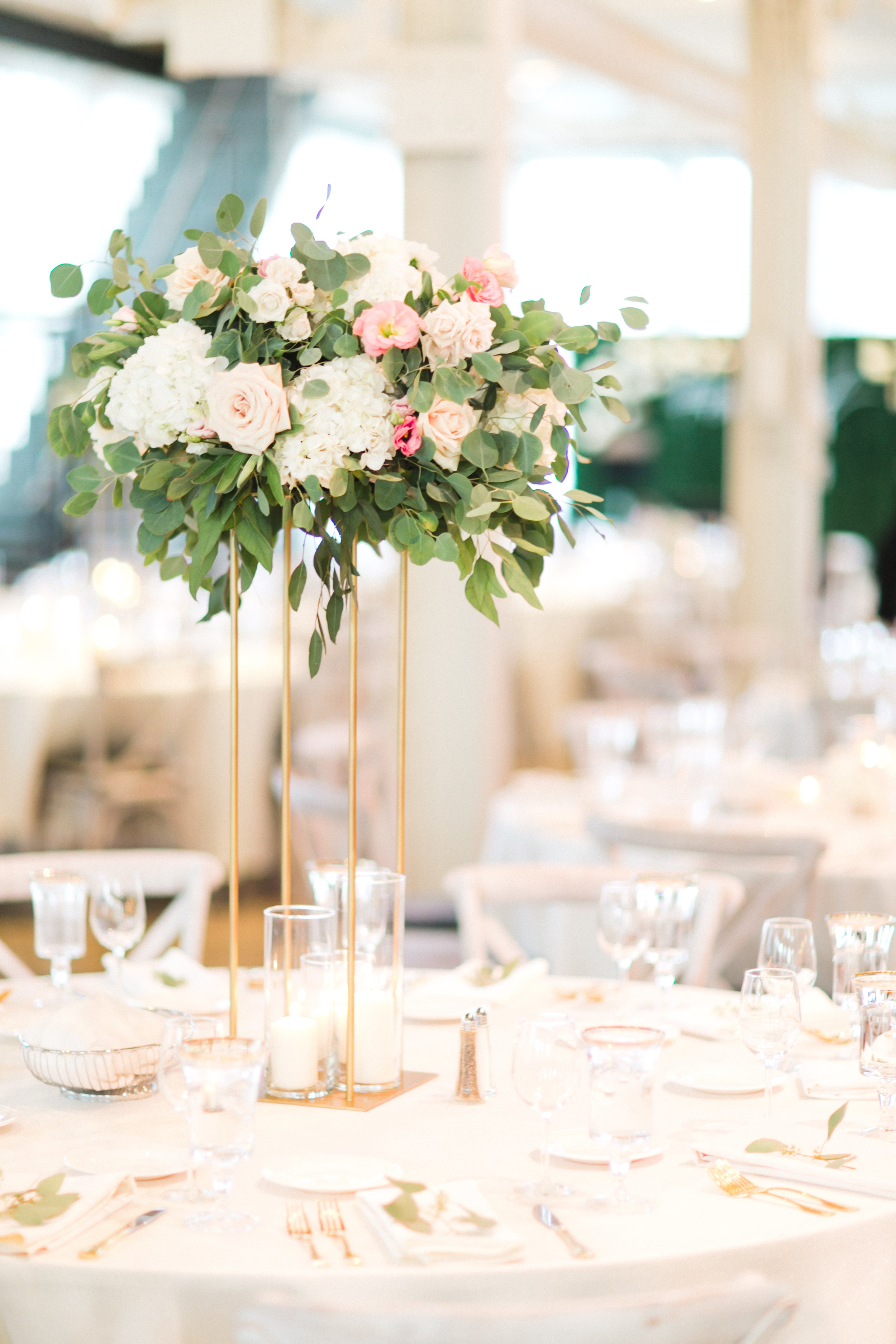 Kindred Blooms Floral Design Machine Shop Luxury Wedding See Jane Plan Champagne Press