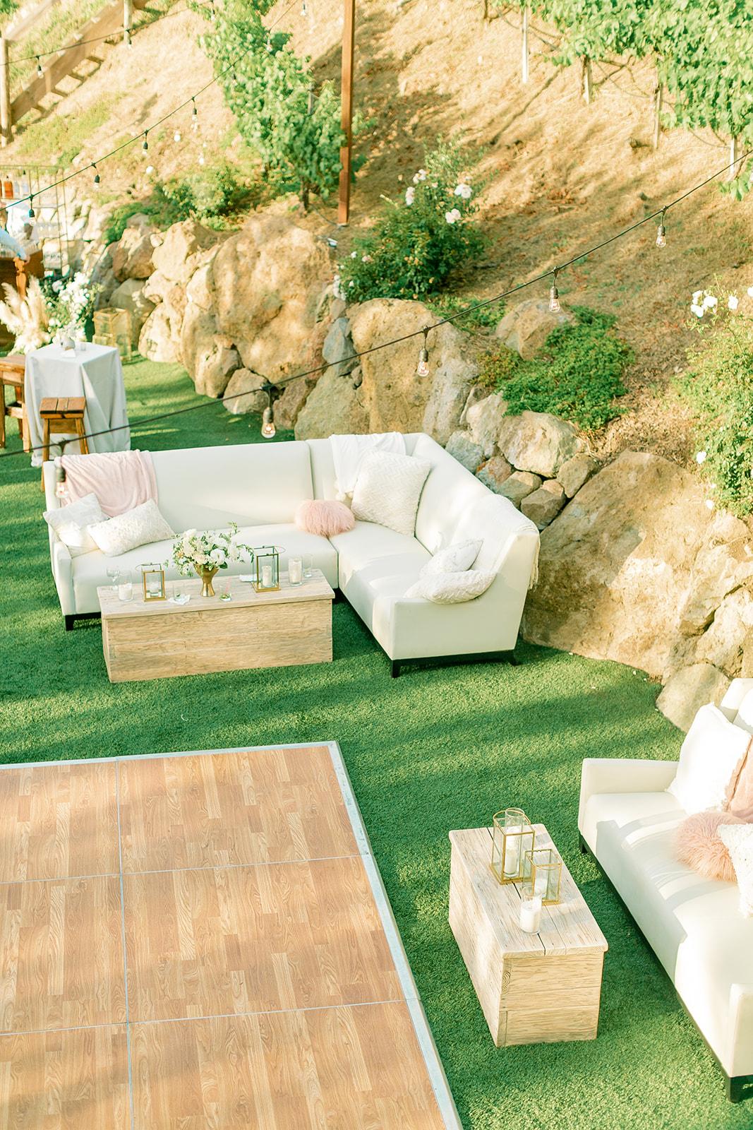 Wedding Lounge Set Design - Natalie Schutt Photography.jpg