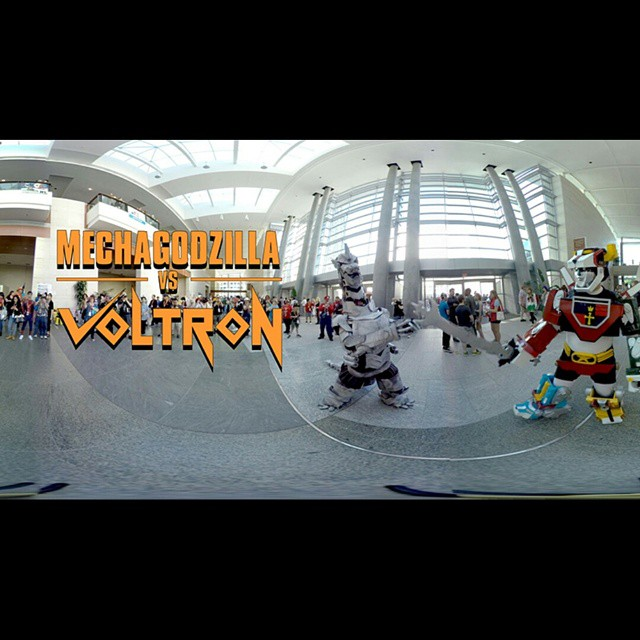 Epic battle between #MechaGodzilla and #Voltron captured in 360 at #animazement. #cosplay  https://youtu.be/IX-m7a9T4FQ