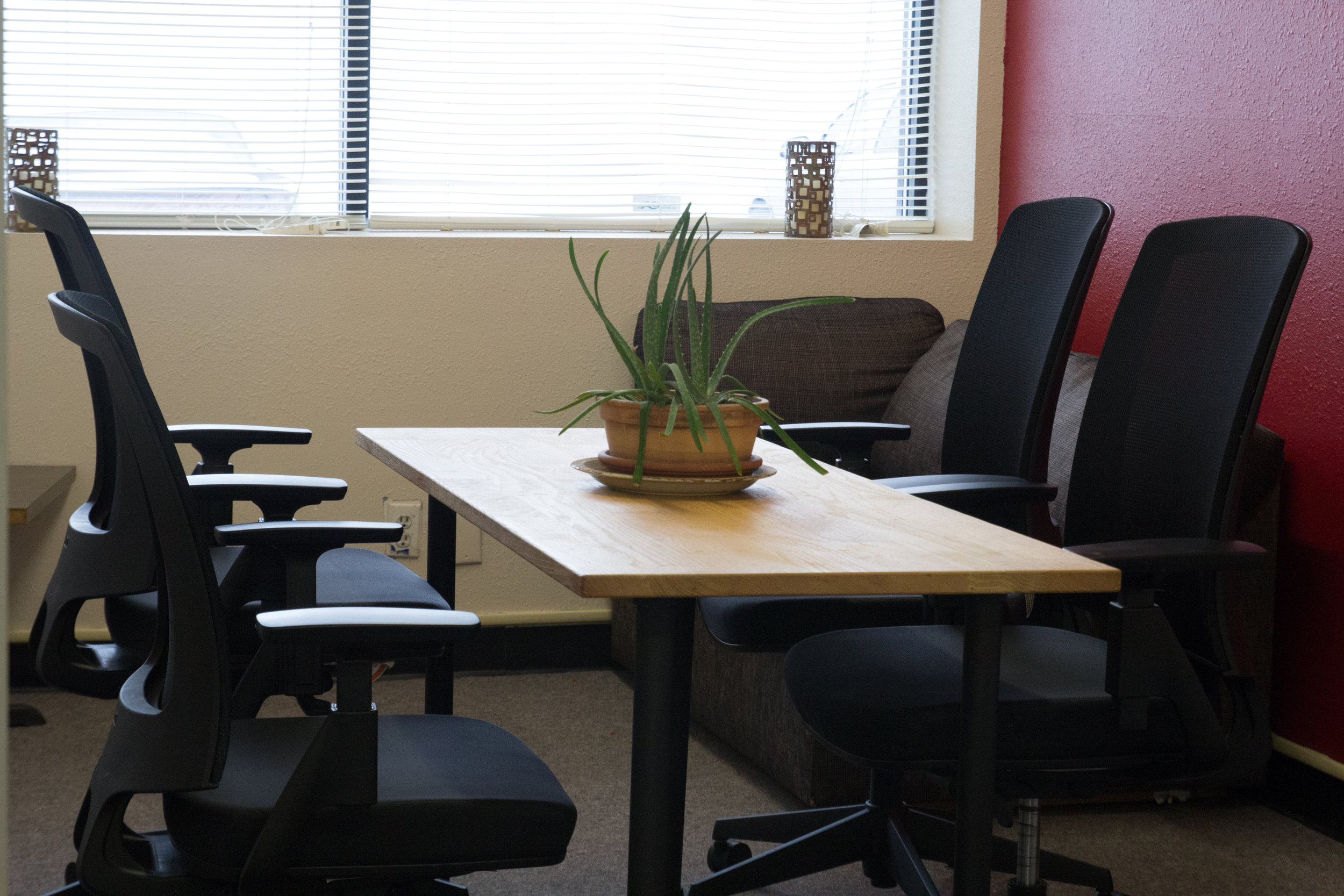 Conference room (2 - 6 people)