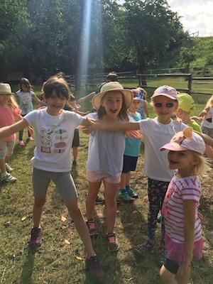 Víte, jak probíhá náš bublinkový táborový den?