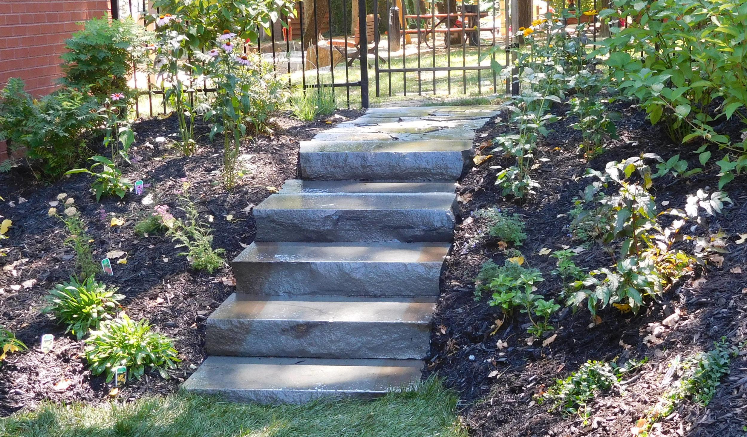 Escalier en pierre Blue stone