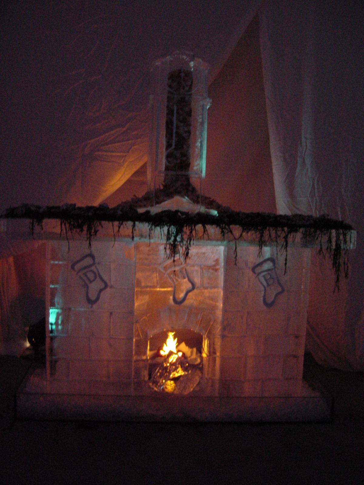 12-17-02 Fireplace 26.JPG