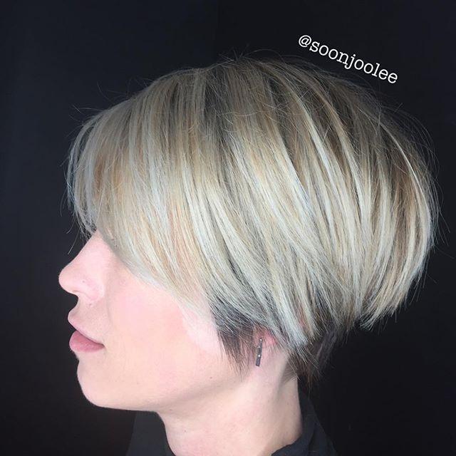 Vanilla undercut 💇🏼♂️#shorthair #undercut #shorthairstyles #blondehair #ballayage #redkenshadeseq #redkensalon #modernsalon #behindthechair_com #behindthechair