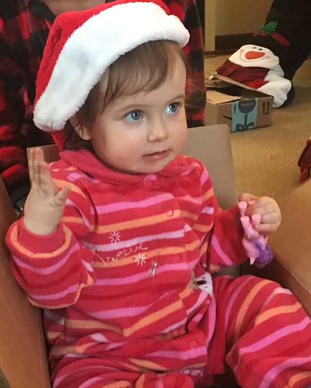 Merry Christmas❣️🎄❤️#togetherwithfamily #wrappingpaperandboxesarethebestgifts  #thankfulforhealthandhappiness