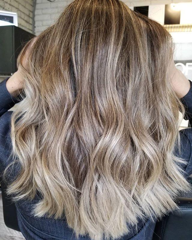 Choco vanilla swirl 🍦 • • • #hotd #hairtrends2019 #hairinspo #modernhair #freshhair #yourbesthair #loveyourhair #redkenready #redkencanada #colorcorrection #winnipeghair #winnipeglocal #winnipeg #winnipegsalon #winnipeghairstylist #behindthechair #theloftwinnipeg