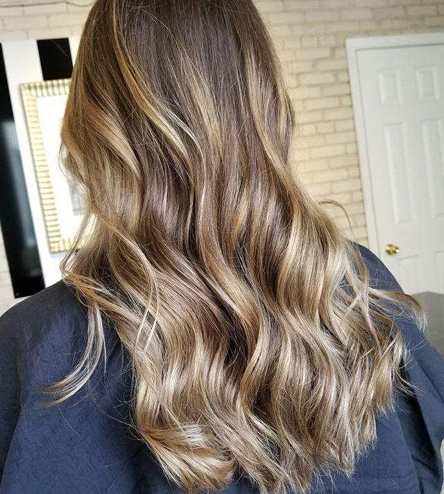When the light hits those waves 📸 • • • #hotd #hairtrends2019 #hairinspo #healthyhair #yourbesthair #loveyourhair #behindthechair #redkenshadeseq #redkencanada #winnipeghair #winnipeghairstylist #winnipeghairsalon #downtownwinnipeg #winnipeglocal #theloftwinnipeg
