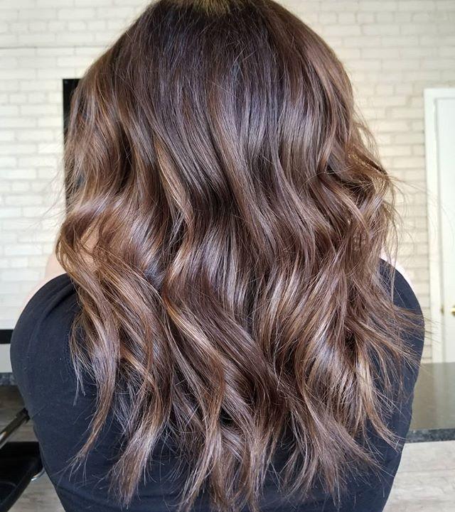 Dimensional brunette 😙 • • • #hotd #summerhair #hairttrends #loveyourhair #yourbesthair #redkenobsessed #redkencanada #shadeseqgloss #winnipegstylist #winnipeglocal #winnipeghairsalon #theloftwinnipeg