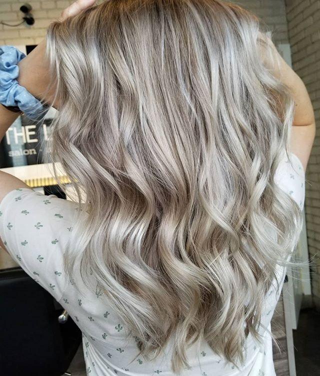 Fresh Blondie. 🌵 • • • #hotd #summerhair #hairtrends2019 #hairinspo #hairgoals #blonde #blondeinspo #loveyourhair #yourbesthair #winnipeghair #winnipeghairstylist #winnipeghairsalon #redkenshadeseq #redkenobsessed