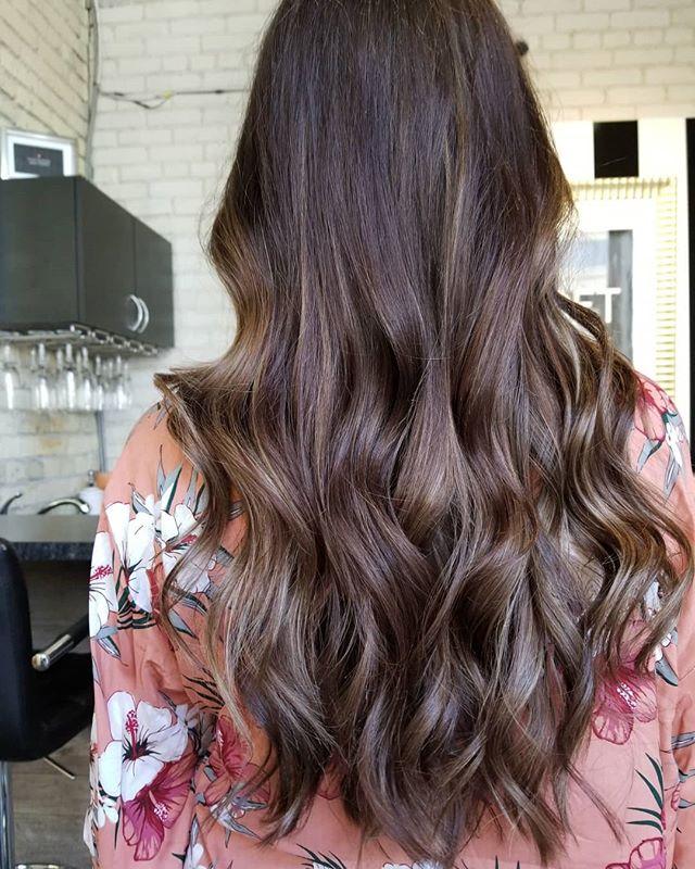 Coffee Crisp • • • #hotd #modernhair #modernsalon #hairpainters #hairinspo #hairgoals #yourbesthair #loveyourhair #brunettebalayage #redkenshadeseq #redkencanada #winnipeglocal #winnipeghair #downtownwinnipeg #winnipegstylist #winnipegsalon