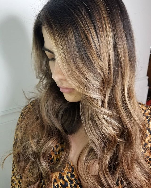 Colombian Beauty • • • #hotd #hairgoals #hairtrends2019 #hairinspo #hairdesign #modernhair #loveyourhair #yourbesthair #redkenobsessed #redkenshadeseq #winnipeghair #winnipegstylist #winnipegsalon #theloftwinnipeg