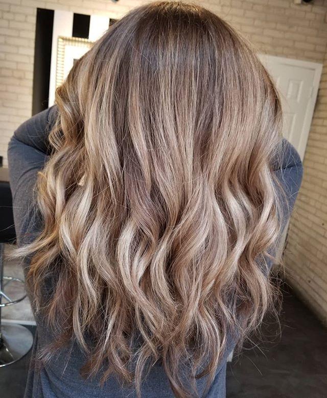 Summer --  Fall 🍂 • • • #hotd #balayageinspo #hairgoals #redkenshadeseq #redkenready #autumnhair #yourbesthair #loveyourhair #redkencanada #winnipeghairstylist #winnipeglocal #theloftwinnipeg