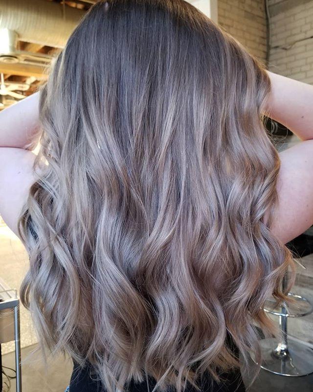 Soft + Cozy • • • #hotd #hairpainters #balayageinspo #hairtrends2019 #hairinspo #hairdesign #hairgoals #redkencanada #redkenobsessed #yourbesthair #winnipeghair #winnipegstylist #winnipeghairsalon #theloftwinnipeg