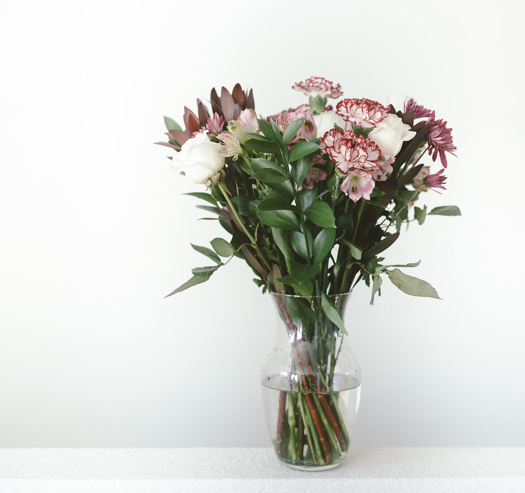 Design: One In a Million by ProFlowers or I like to call it, Mixed Up Pretty: You can see that the flowers are cut to be about the same length.