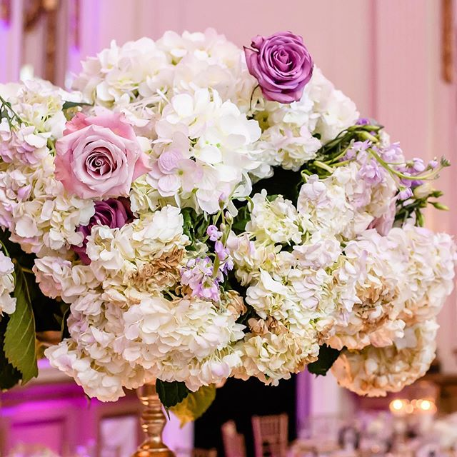 Beauty in floral form. One of our favorites! 😍 Let us know some your favorite flowers in the comments below! ❤️ - #CYEweddings #CYEdesigns #dcwedding #dcweddingplanner #dcbride #weddingdesign #floraldesign