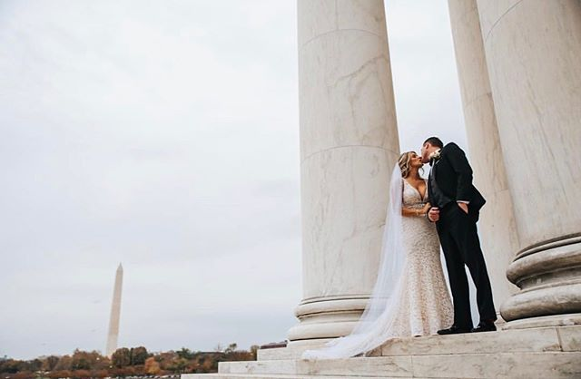 Breathetaking Views! That was literally the theme of Ali+Mark's entire wedding day from the statuesque cathedral to the scenic backdrop of all the monuments and museums D.C. has to offer. Hard to not get swept up in all this ❤️ #dcweddings #weddingday #views 📸: @kenpakphotography