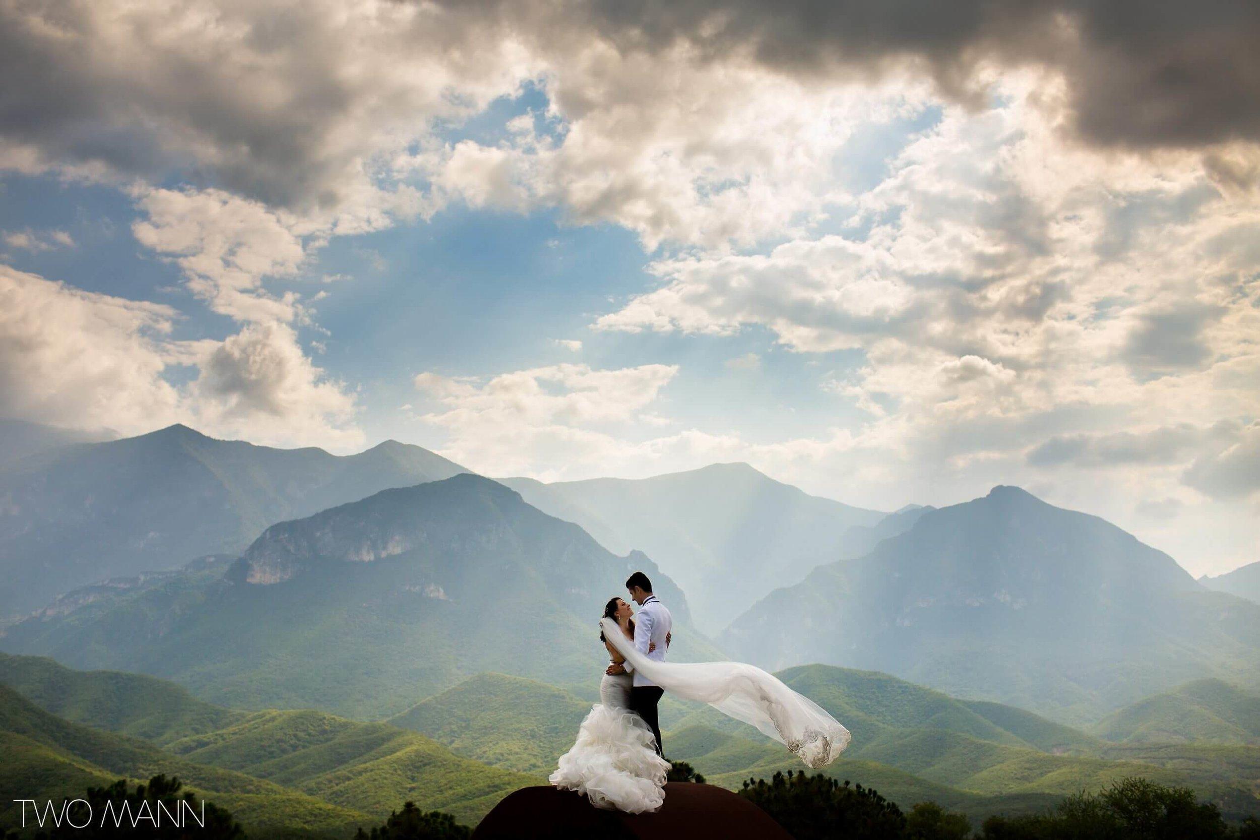 Mexico-Wedding-Photography-Two-Mann-Monica-Mike-Monterrey-13-2560x1707.jpg