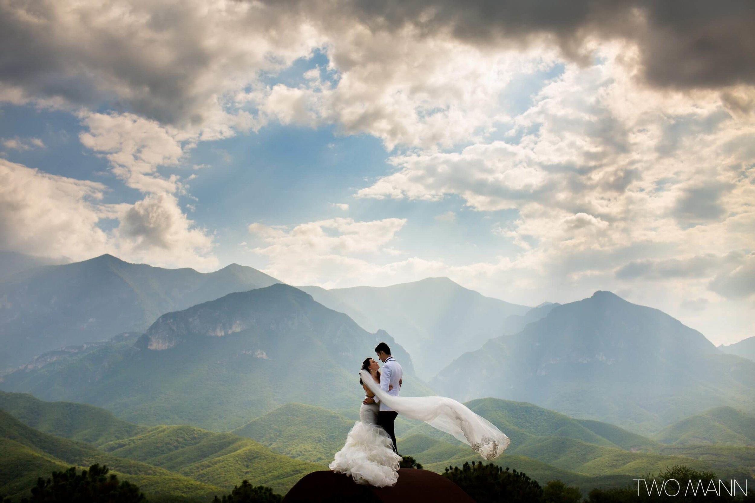 Two-Mann-Studios-Worlds-Best-Wedding-Photography-Best-of-2016-048-2560x1707.jpg