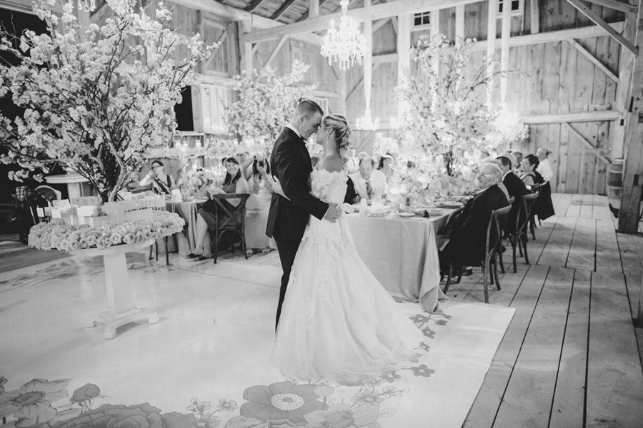 barn-wedding-0058-58-900x600.jpg