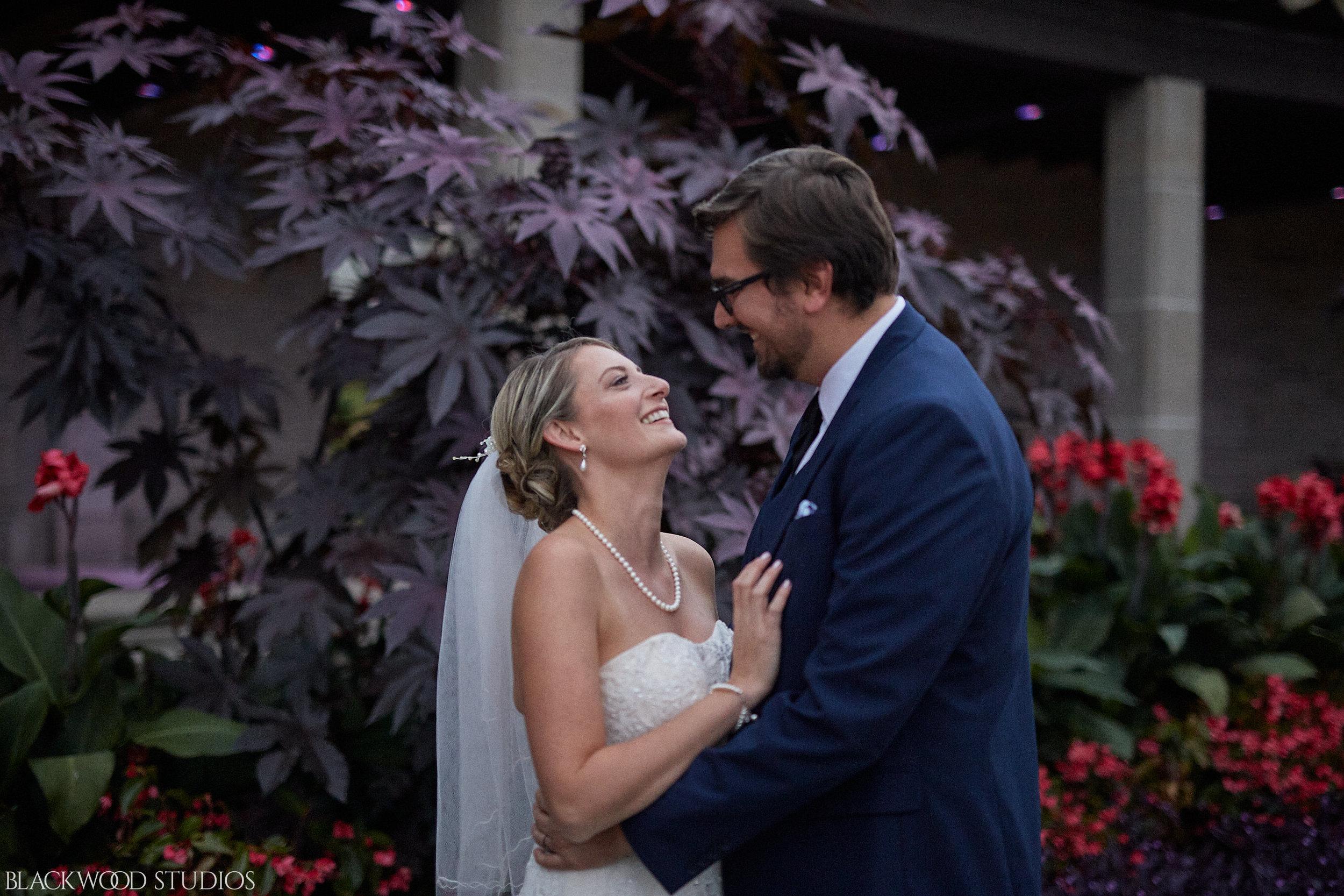 Blackwood-Studios-Wedding-Photography-20170928-185332-Marek-Katie-Michalek-Oakes-Garden-Theatre-Niagara-Falls-Ontario-Canada.jpg