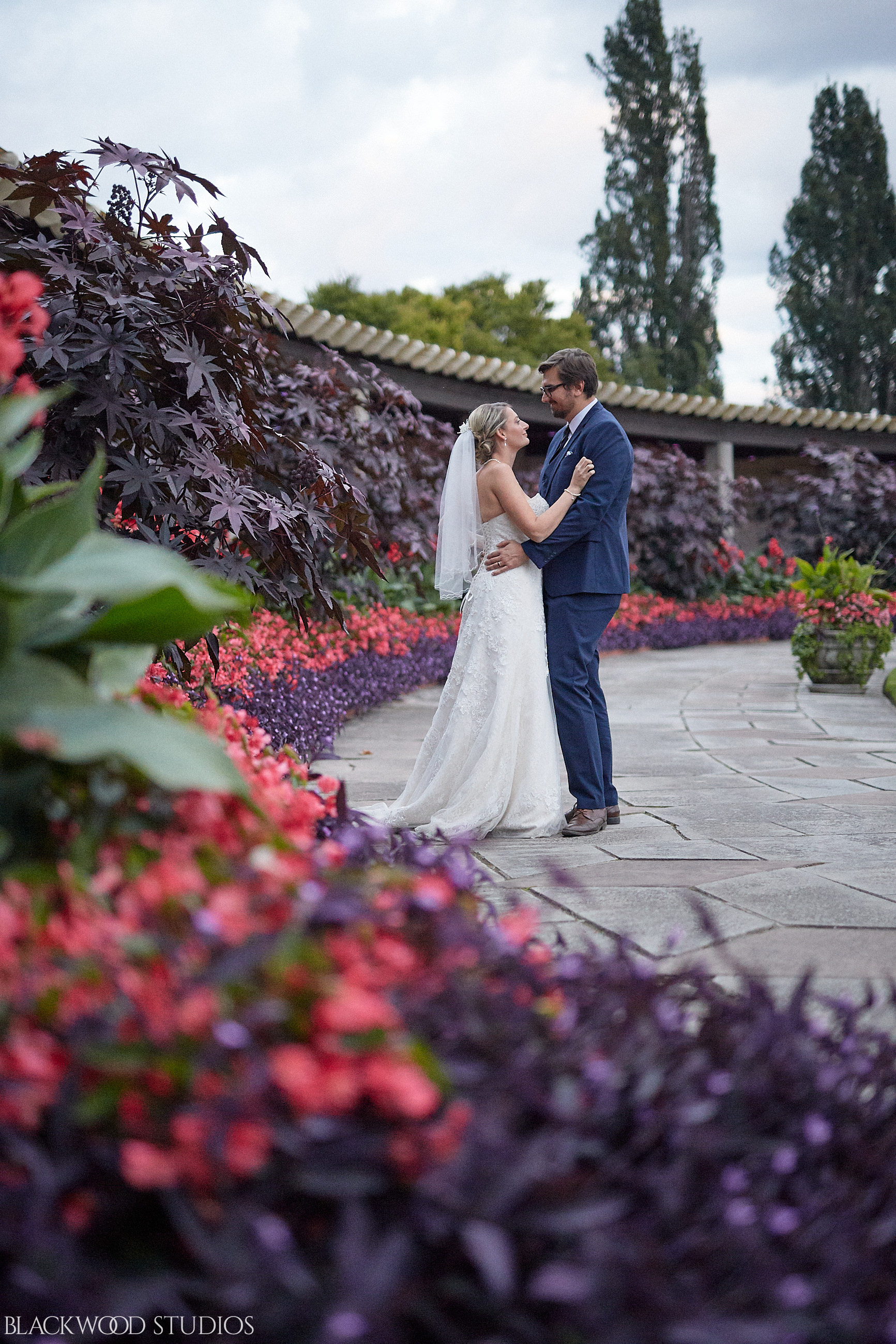 Blackwood-Studios-Wedding-Photography-20170928-185237-Marek-Katie-Michalek-Oakes-Garden-Theatre-Niagara-Falls-Ontario-Canada.jpg