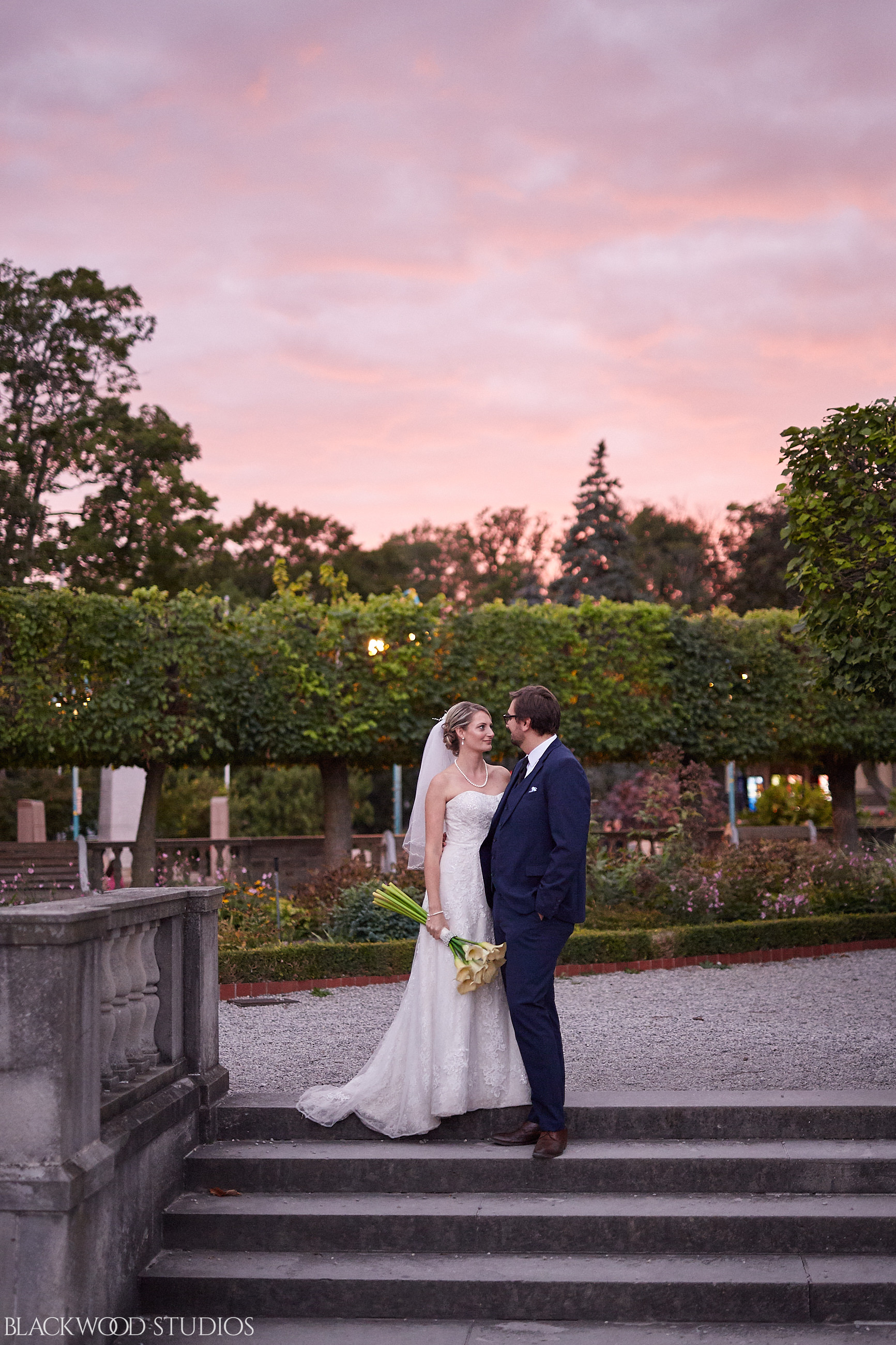 Blackwood-Studios-Wedding-Photography-20170928-190151-Marek-Katie-Michalek-Oakes-Garden-Theatre-Niagara-Falls-Ontario-Canada.jpg