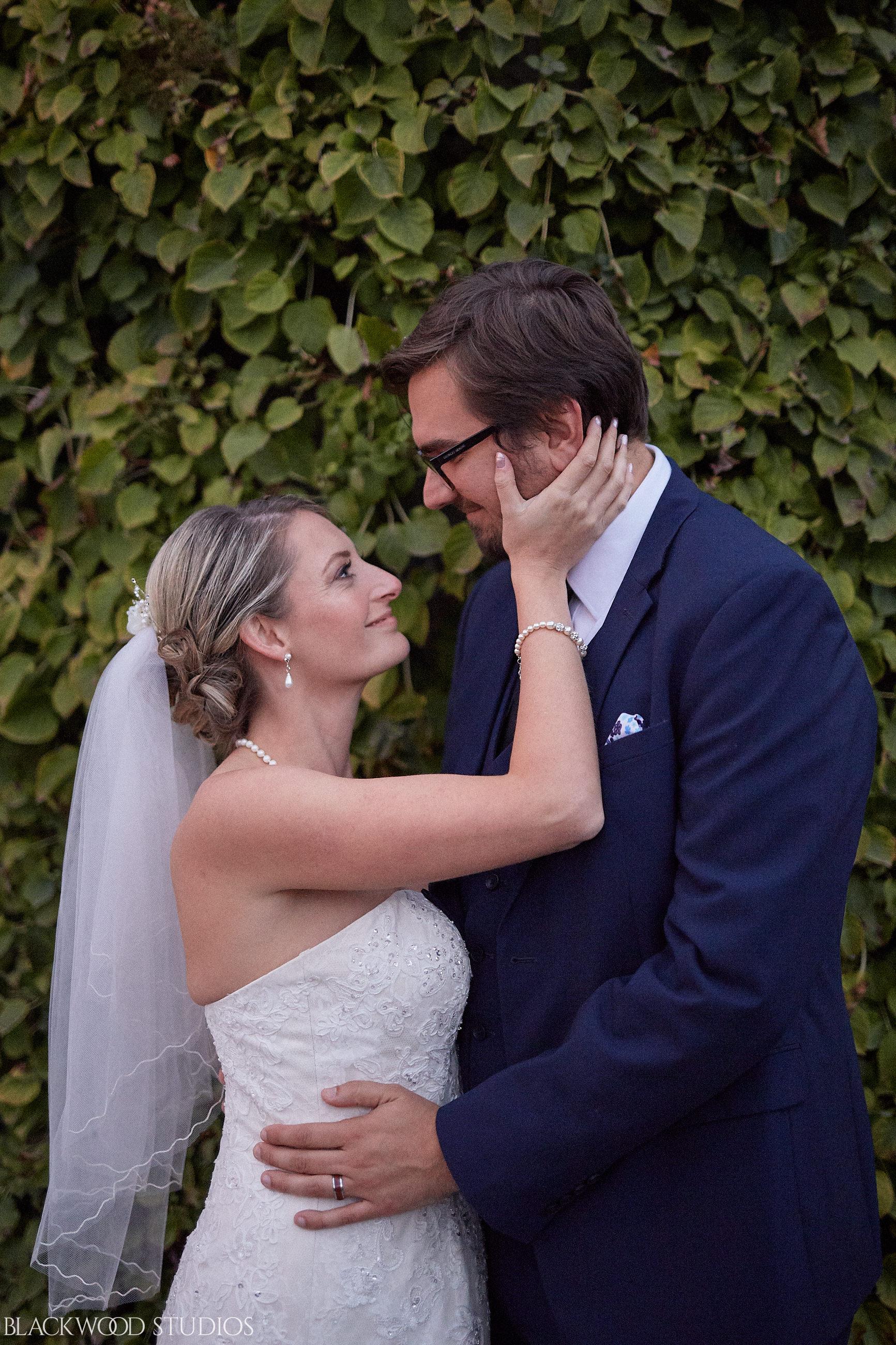 Blackwood-Studios-Wedding-Photography-20170928-190638-Marek-Katie-Michalek-Oakes-Garden-Theatre-Niagara-Falls-Ontario-Canada.jpg