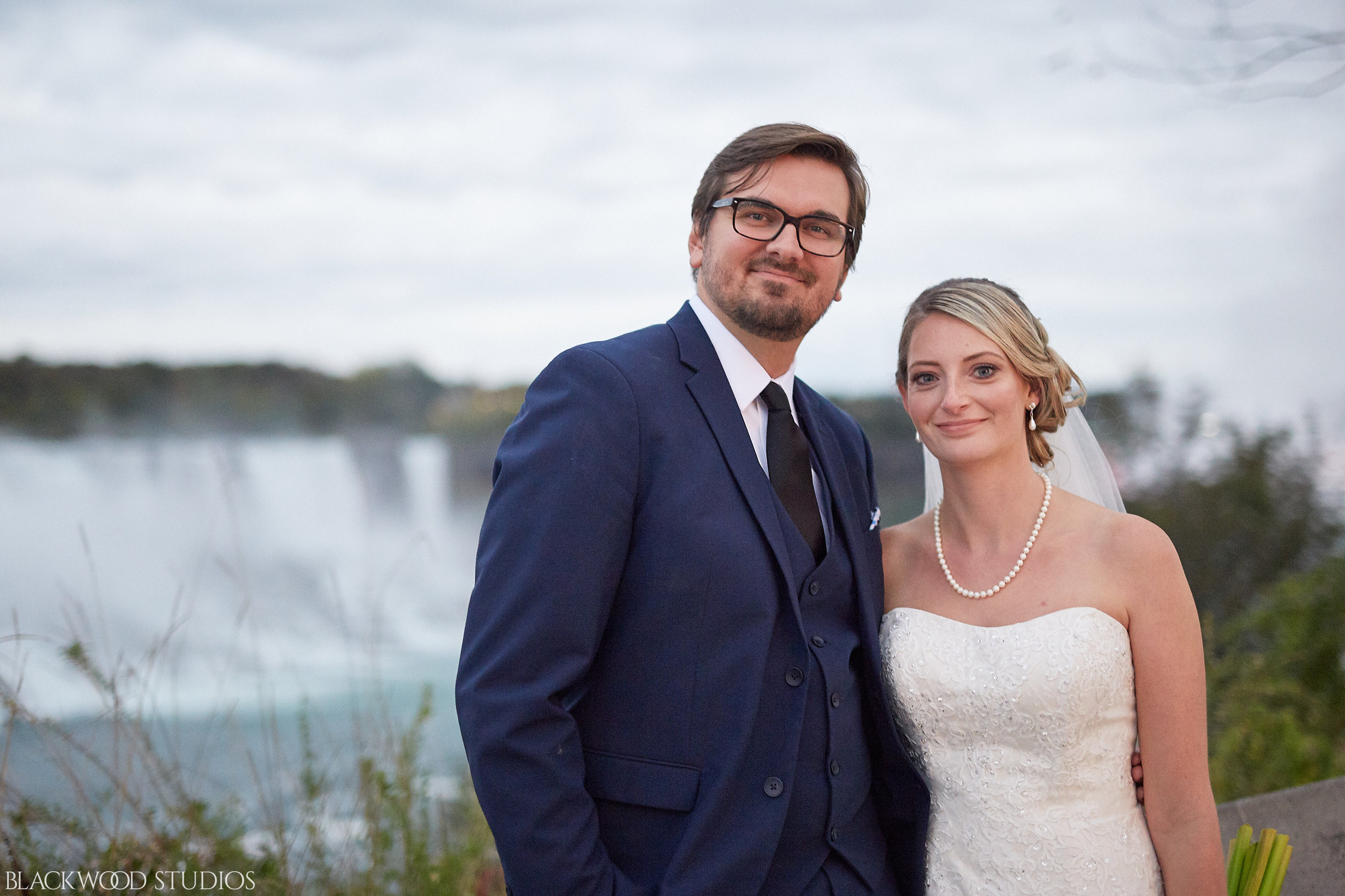 Blackwood-Studios-Wedding-Photography-20170928-191041-Marek-Katie-Michalek-Oakes-Garden-Theatre-Niagara-Falls-Ontario-Canada.jpg