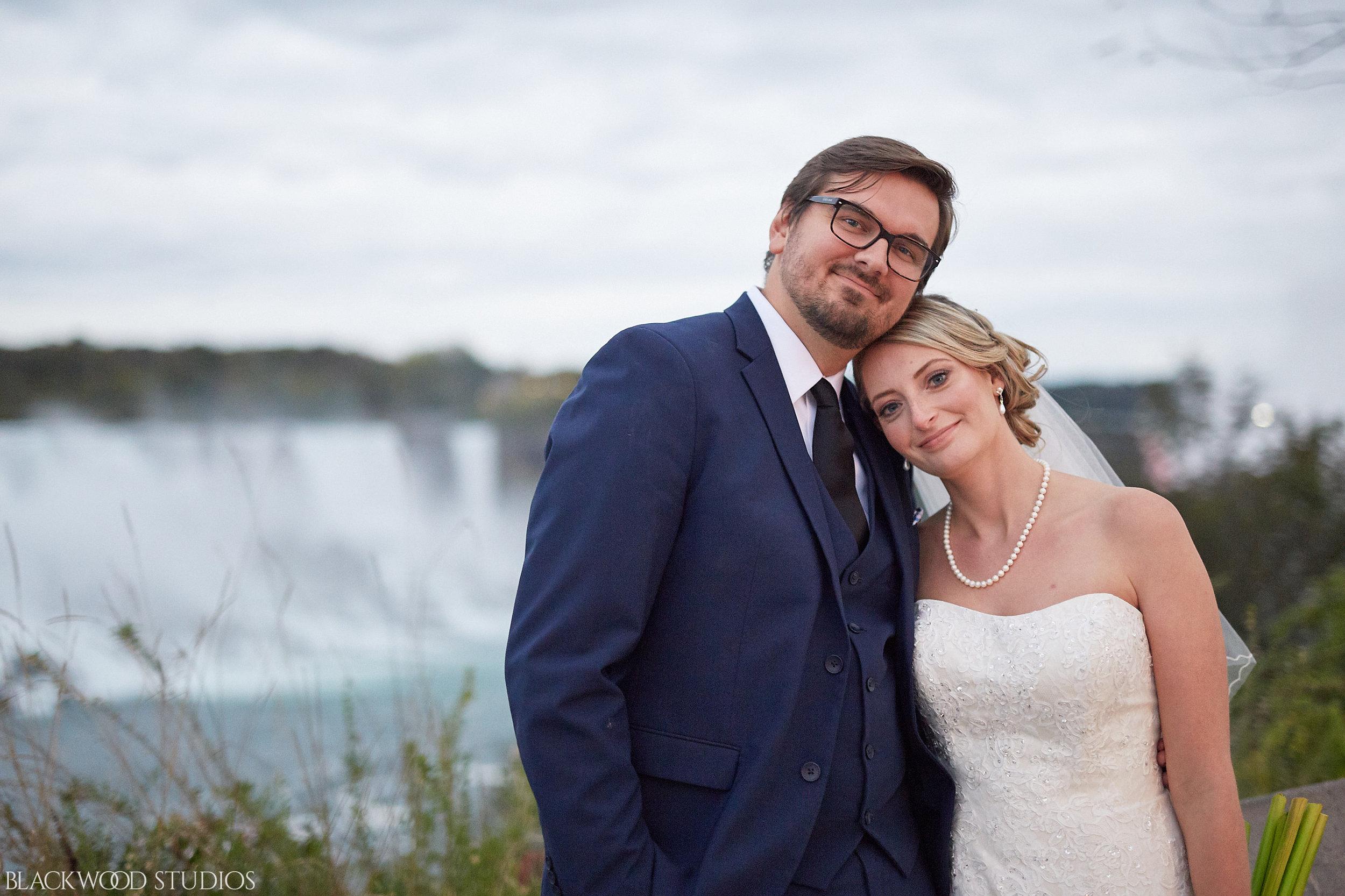 Blackwood-Studios-Wedding-Photography-20170928-191042-Marek-Katie-Michalek-Oakes-Garden-Theatre-Niagara-Falls-Ontario-Canada.jpg