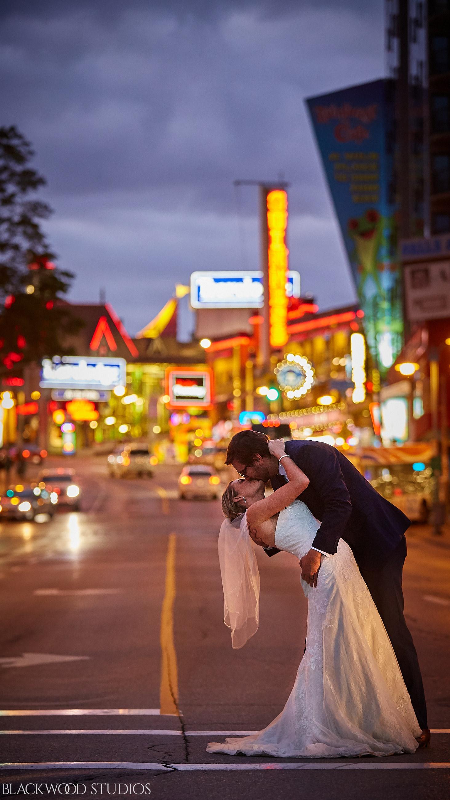 Blackwood-Studios-Wedding-Photography-20170928-191517-Marek-Katie-Michalek-Oakes-Garden-Theatre-Niagara-Falls-Ontario-Canada.jpg