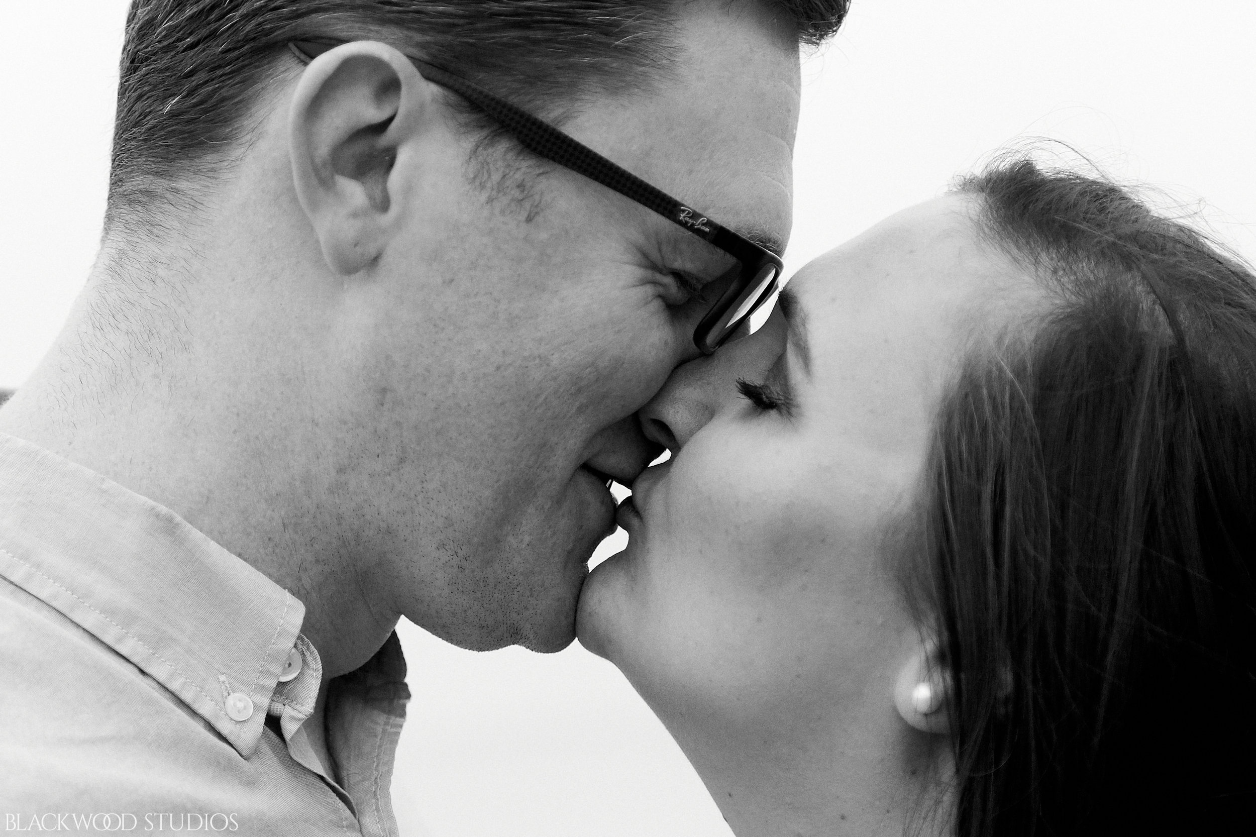 Blackwood-Studios-20181008-17-36-24-Justin-and-Samantha-Engagement-Photography-foggy-Scaraborough-Bluffs-Park-Ontario.jpg