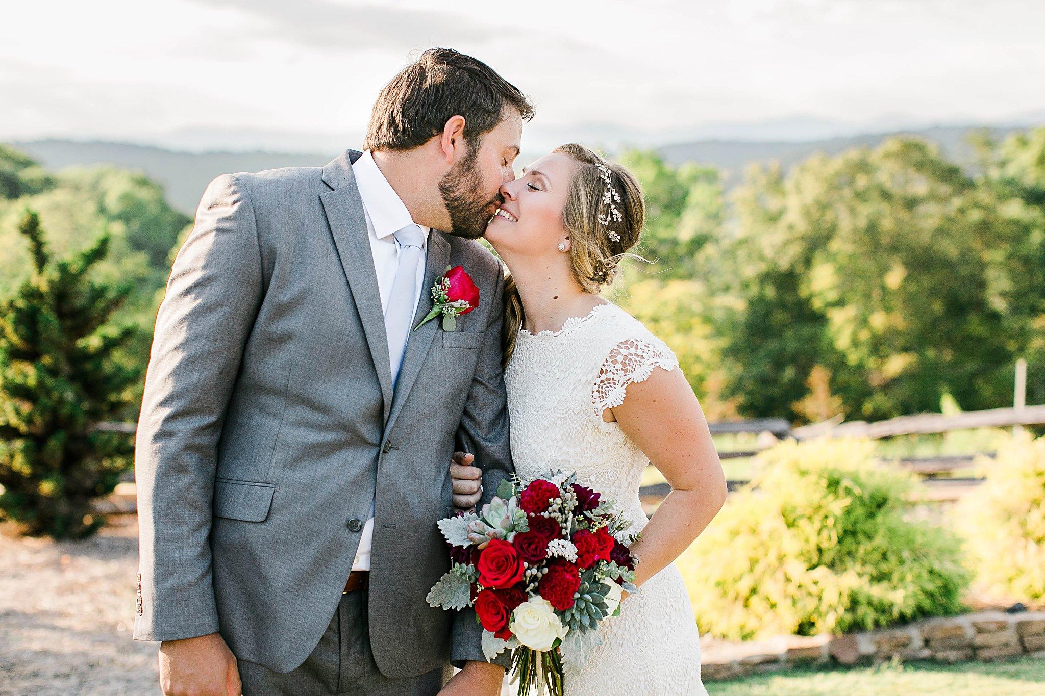 dahlonega-georgia-blue-mountain-vineyards-wedding-jb-marie-photography